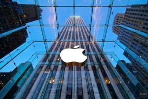 ۲۳ روز انتظار جلوی فروشگاه اپل برای خرید آیفون 7 پلاس